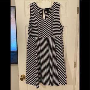 Lane Bryant Black White Stripe Chevron Dress 18